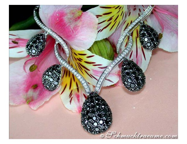 Extraordinary Black and White Diamond Necklace