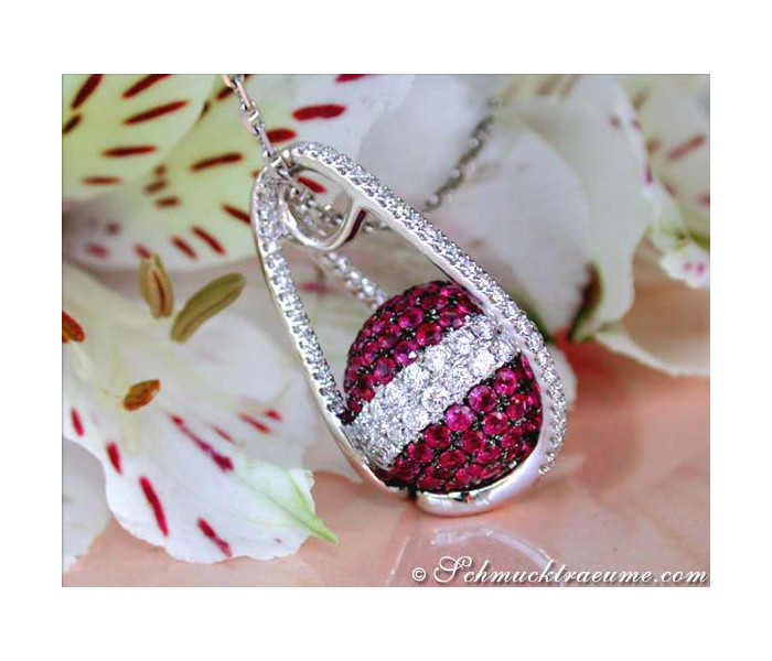 Attractive ruby ​​diamonds necklace