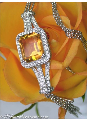 Interesting citrine necklace with diamonds