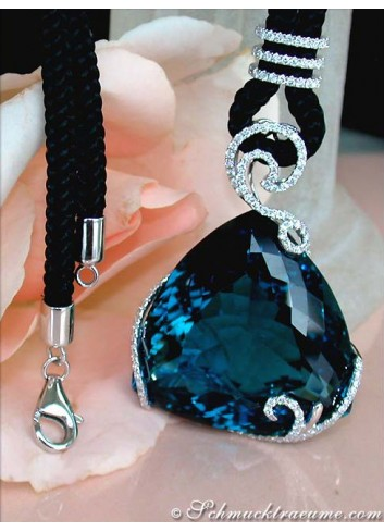 Exquisite Bluetopaz Necklace with Diamonds