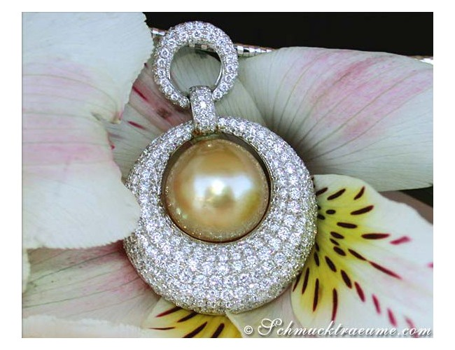 High-end Diamond Pendant with a Golden Southsea Pearl