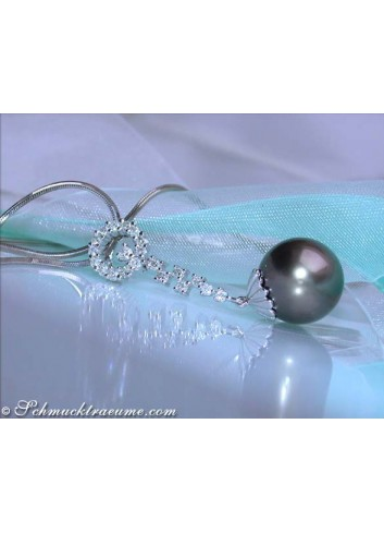 Enchanting Tahitian Pearl Diamond Pendant
