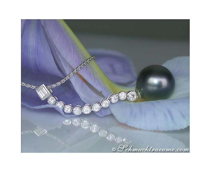 Elegant Tahitian Pearl Pendant with Diamonds