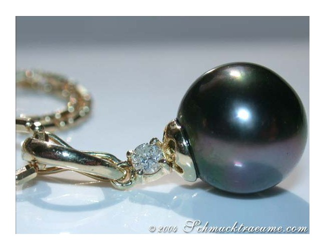 Pretty Tahitian Pearl Diamond Pendant incl. Chain in Yellow gold