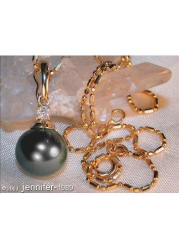 Pretty Tahitian Pearl Diamond Pendant incl. Chain in Yellow gold