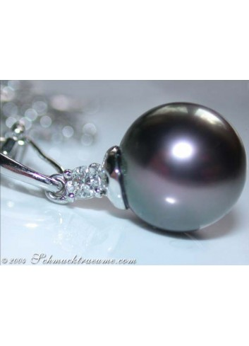 Pretty Tahitian Pearl Diamond Pendant incl. Chain in White gold