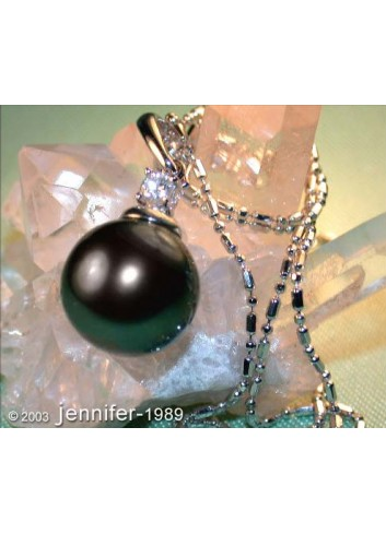 Enchanting Tahitian Pearl Diamond Pendant incl. Chain