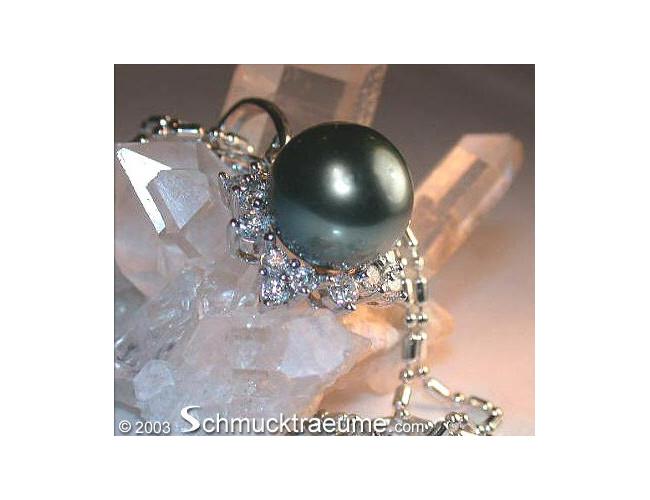 Elegant Tahitian Pearl Diamond Pendant