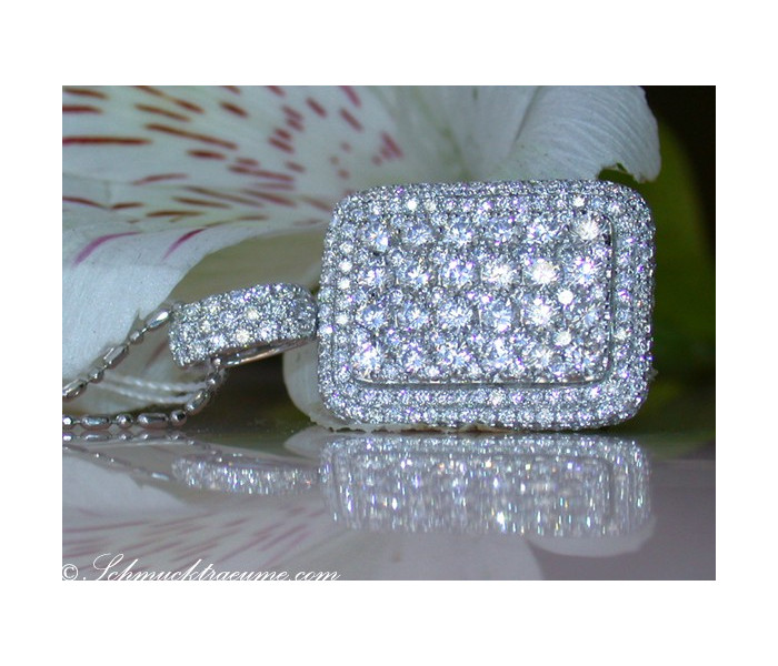 Magnificent Diamond Pendant (3,01 ct.)