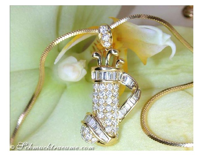 Exquisite Golf Bag Diamond Pendant in Yellow gold 18k