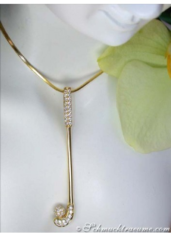 Beautiful Golf Club Diamond Pendant in Yellow gold 18k