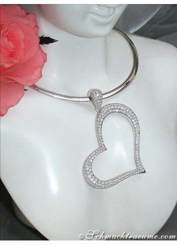 Fascinating Diamond Heart Pendant