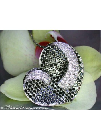Top-class Black & White Diamond Heart Pendant