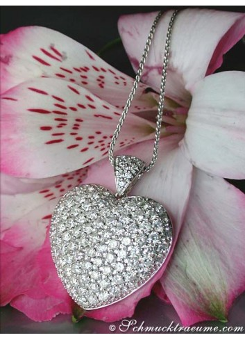 Magnificent Diamond Heart Pendant (4,05 ct.)