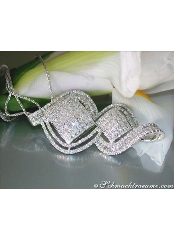 Magnificent Diamond Pendant (Princess, Baguette & Brilliant Cut)