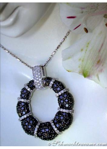 Anhänger mit schwarzen Diamanten in Weißgold 585