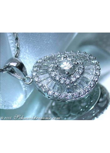 Excellent Diamond Solitaire Pendant