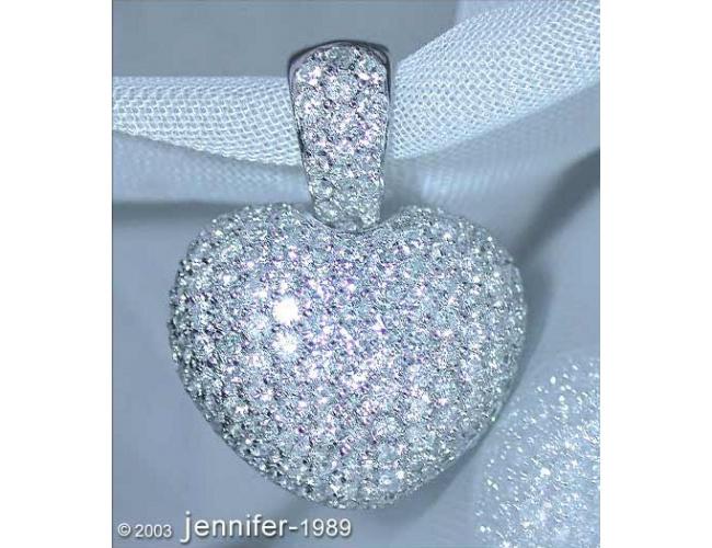 Timeless Diamond Heart Pendant in White gold