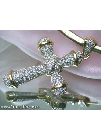 Precious Diamond Cross Pendant in Yellow gold