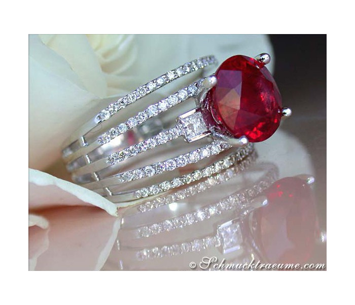 Glorious Ruby Solitaire Ring with Diamonds