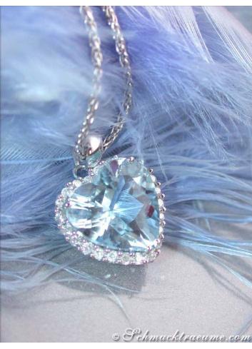 Delicate Aquamarine Heart Pendant with Diamonds