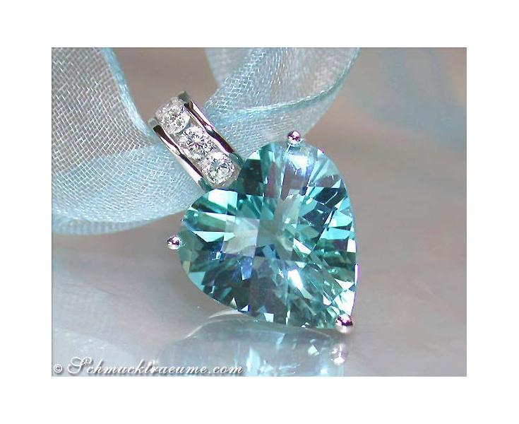 Impressive Aquamarine Heart Pendant with Diamonds