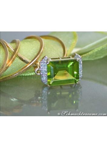 Beautiful Peridot Diamond Pendant