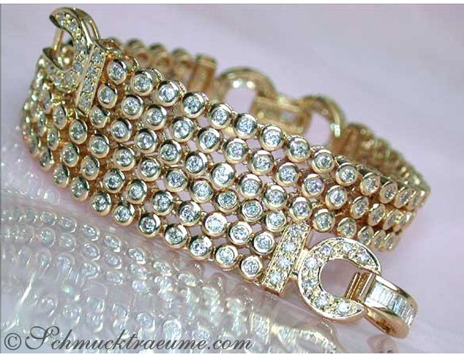 Attractive Diamond Bracelet in Yellow gold 14k