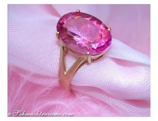 Wonderfully luminous Pink Topaz Ring