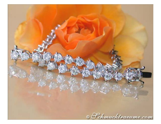 Gorgeous Diamonds Tennis Bracelet