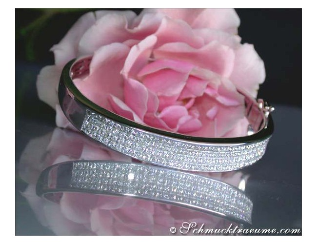 Glorious Diamond Bangle (Invisible Setting)