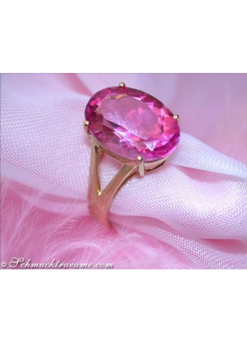 Wonderfully luminous Pink Topaz Ring