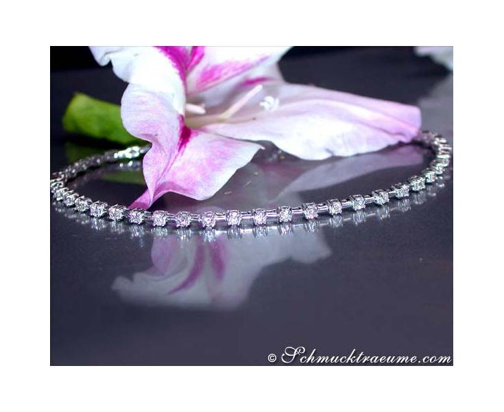 Magnificent Diamond Bracelet in Platinum