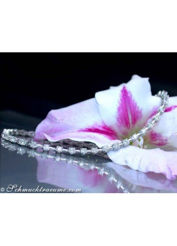 Magnificent Diamond Bracelet in Platinum