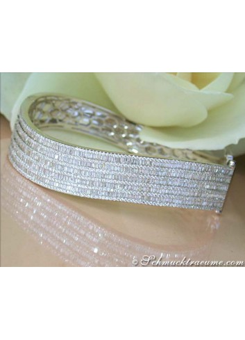 High-end Diamond Bangle in White gold 18k