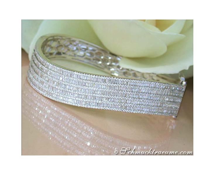 High-end Diamond Bangle in White gold 18k