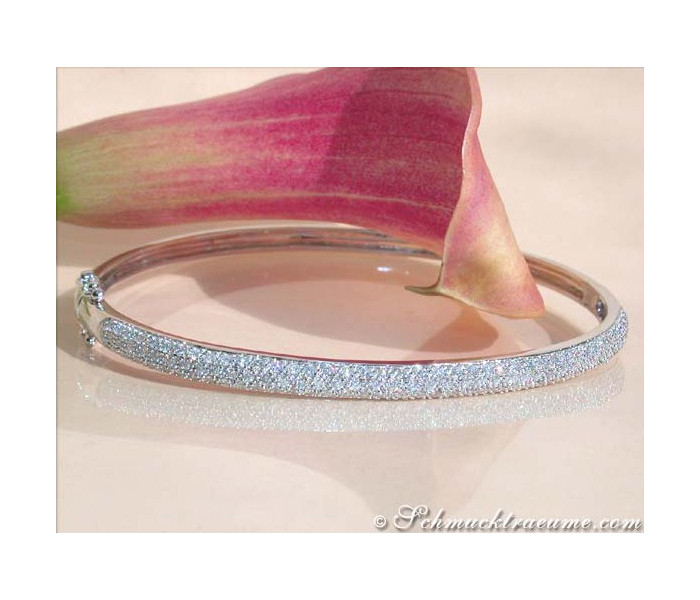 Beautiful Diamond Bangle in White gold 14k