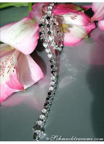 Tennisarmband mit schwarzen Diamanten & Brillanten
