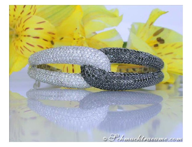Voluminous Black & White Diamond Bangle