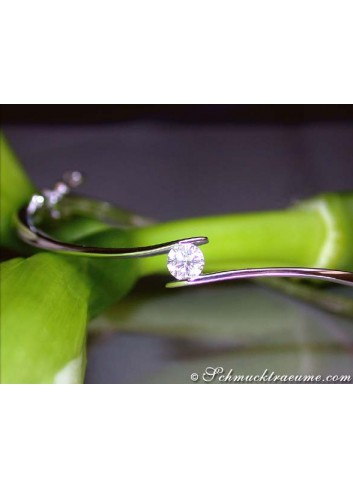 Noble diamond solitaire bangle