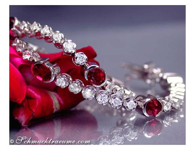 Gorgeous ruby diamonds bracelet