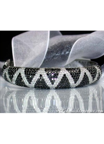 Attractive Black & White Diamond Bangle