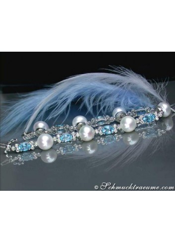Cultured Pearl Bracelet with Blue Topazes