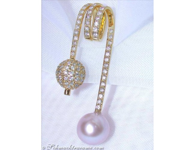 Cultured pearl diamonds Ball Pendant