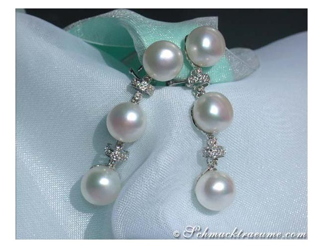 Elegant Freshwater Pearl Dangling Earrings