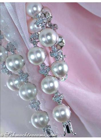 Pretty Freshwater Pearl Bracelet in White gold 14k