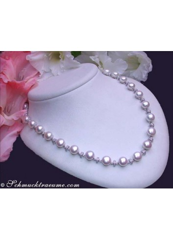 Dreamlike Freshwater Pearl Necklace