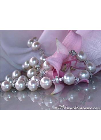 Dreamlike Freshwater Pearl Necklace