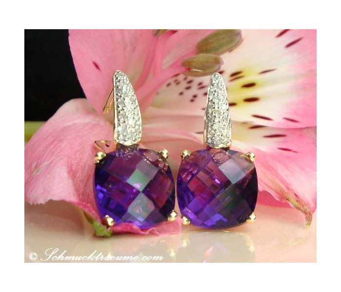 Pretty Amethyst Earrings with Diamonds in Yellow gold