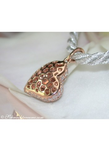 Classic Diamond Heart Pendant in Rose gold 18k